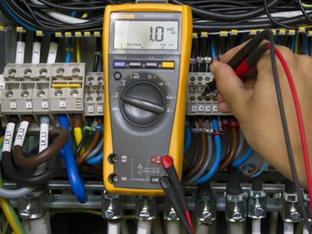 Reparatii CNC